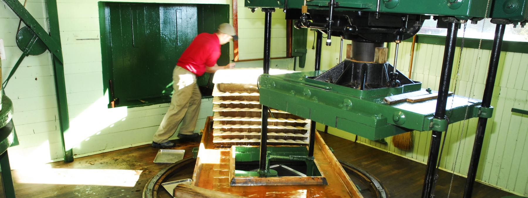 Turning the Pressing Tray